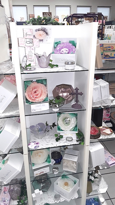 Amarie's Bath Flowers- Retail Tips - Marty's Pharmacy Display